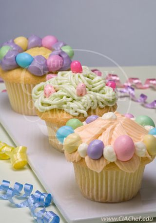 decorating cupcakes for easter. Cupcakes
